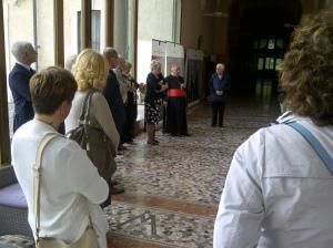 Il momento dell'inaugurazione della mostra a Triuggio, Villa Sacro Cuore